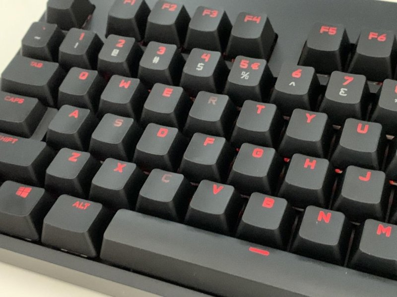 Bought a new keyboard, The Logitech G Pro. Pretty happy with it.